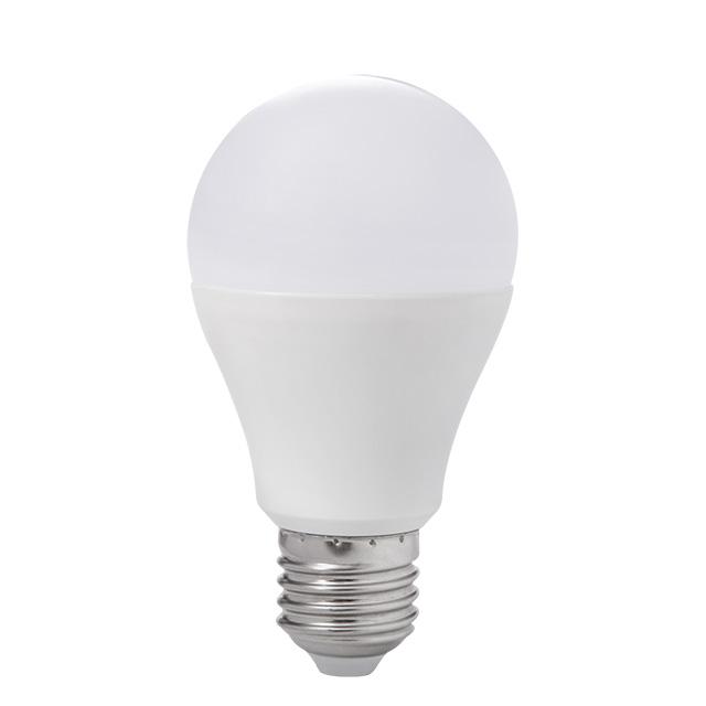10W LED Birne 4000K daylight